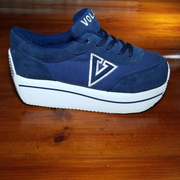 a4e7686791b6 Vintage 90s Platform Volatile Varsity Sneakers. M 5bd791d8bb7615df8f13d1d0